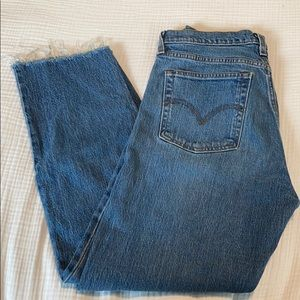 Levi's Wedgie Straight - Size 28
